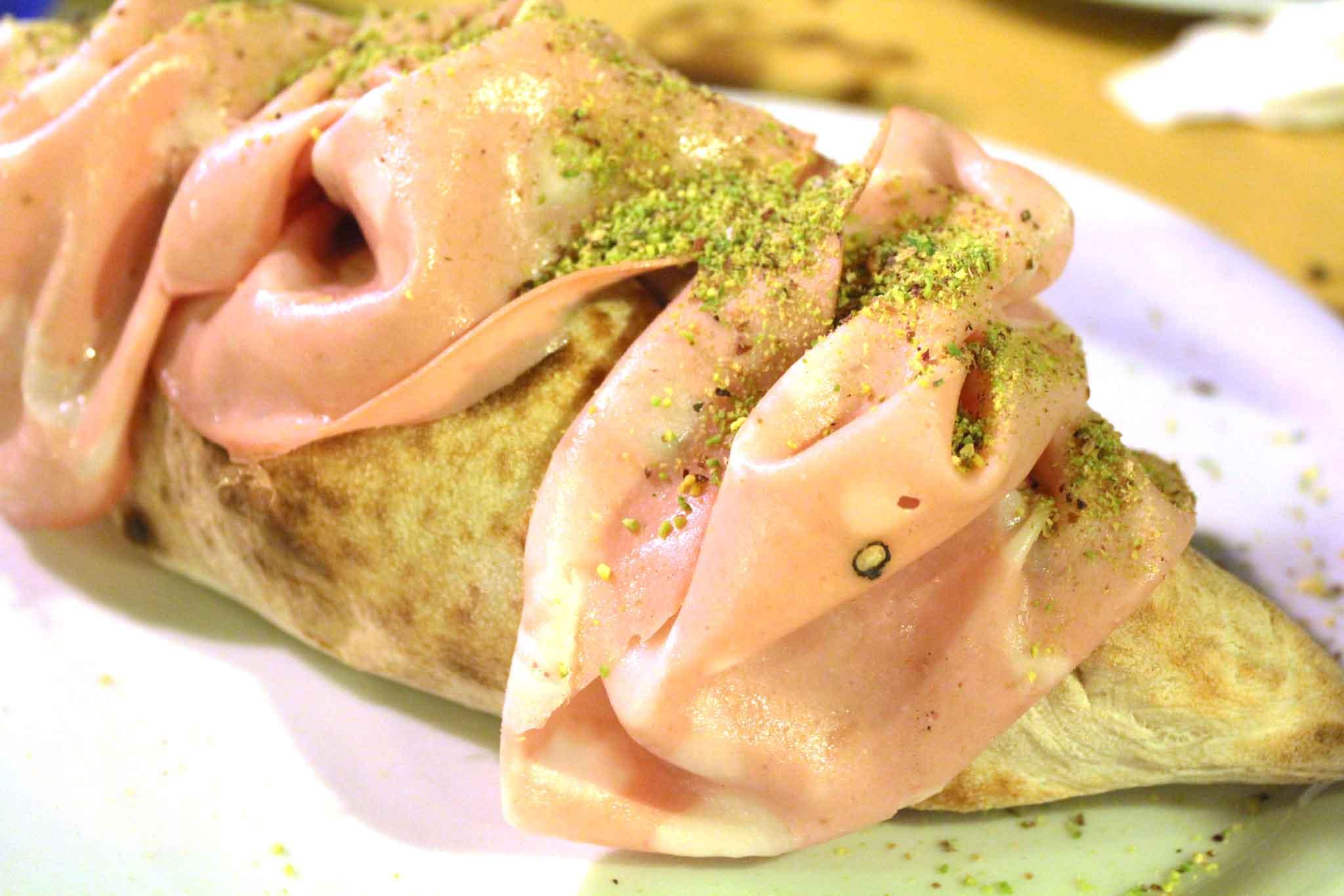 pizzeria Sacre Pietre Sortino Sicilia sfilatino mortadella