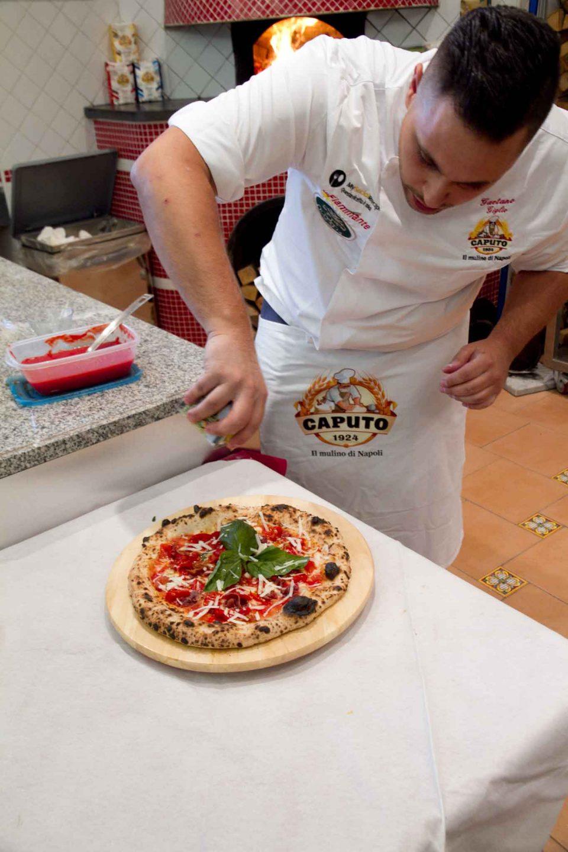 preparazione-pizza-gaetano-giglio