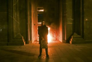 Burger King dedica i nuovi panini all'arte folle e violenta di Pyotr Pavlensky