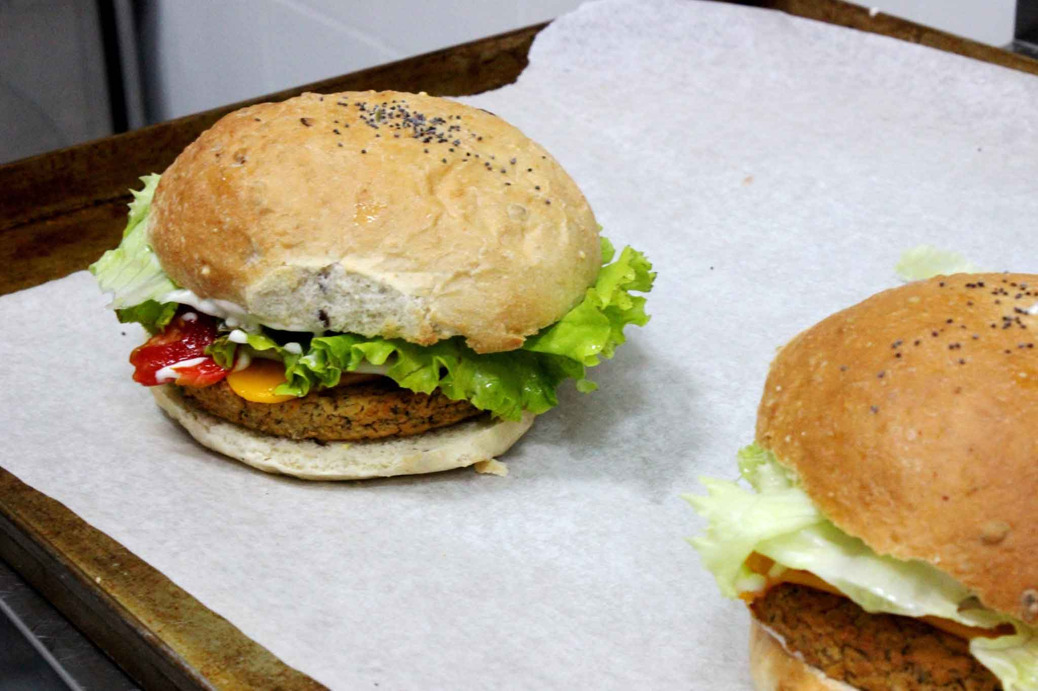 flower-burger-cecio-classic