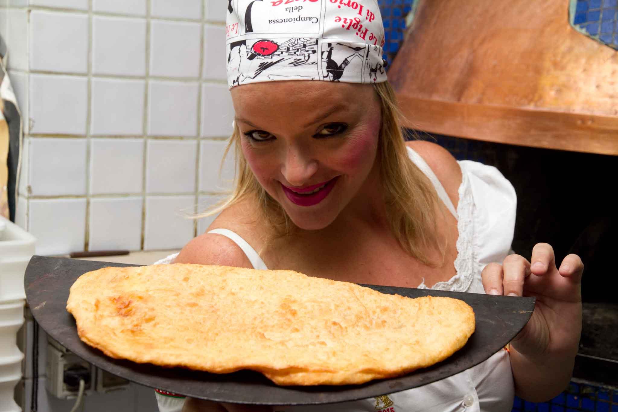 teresa-iorio-e-la-pizza-fritta