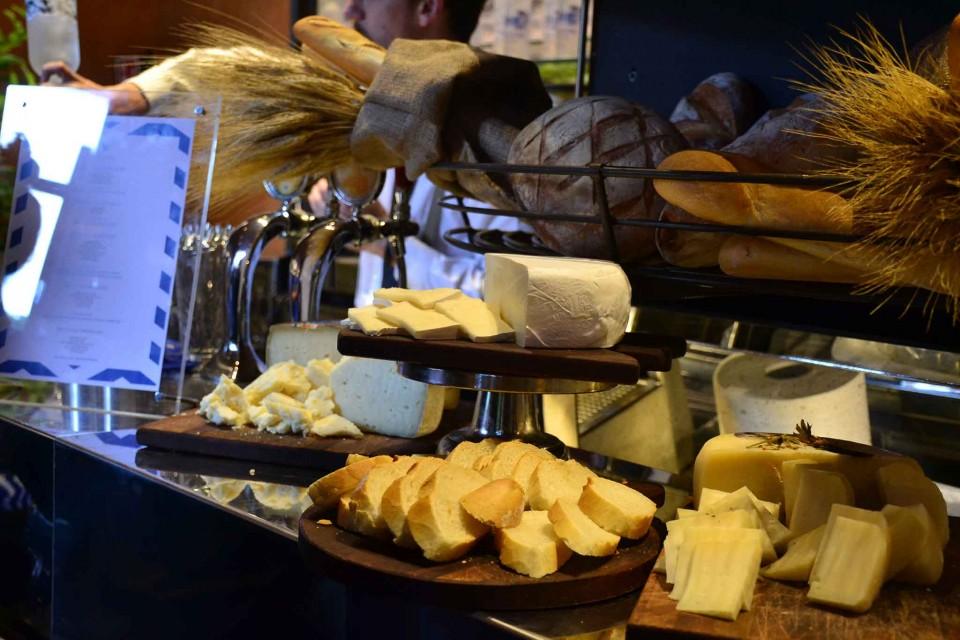 banco-pane-formaggi-evento-vodka-milano