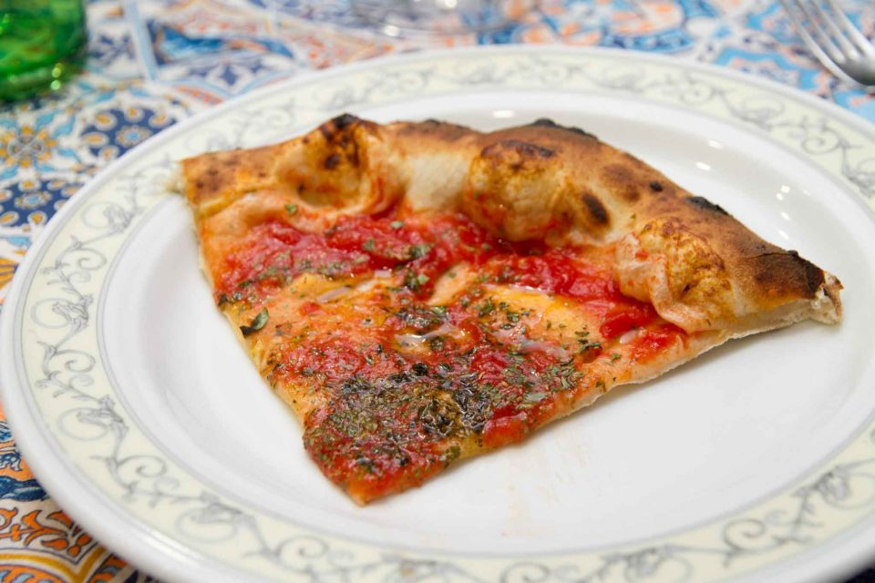pizza-marinara-pomodoro-agrigenus-fetta