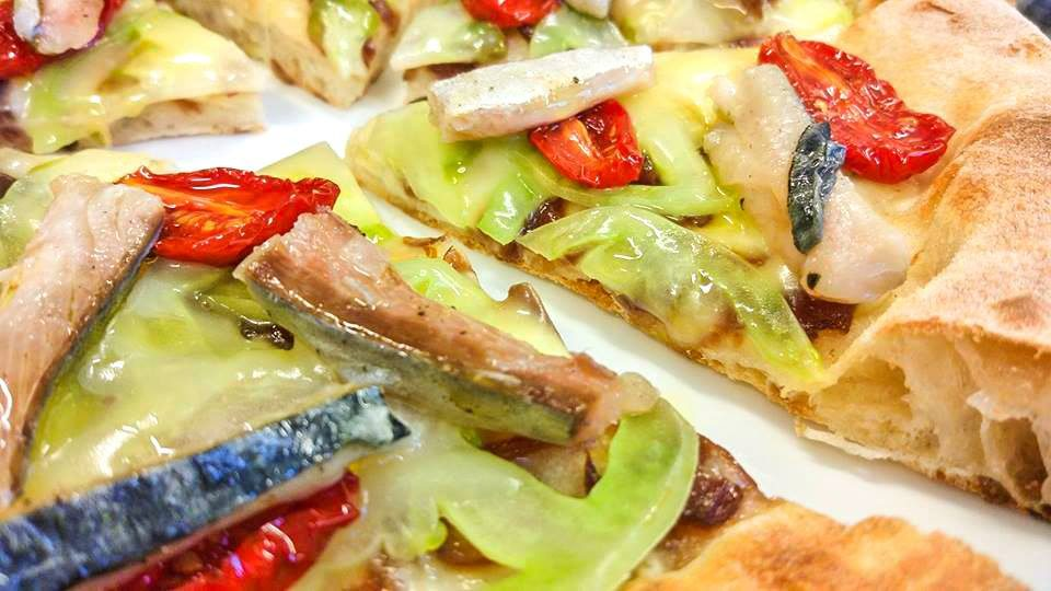 pizza-sgombro-e-patate-spiazzo
