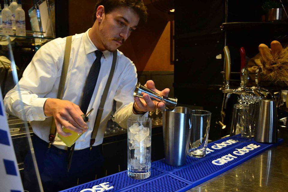 preparazione-cocktail-bloody-mary-vodka