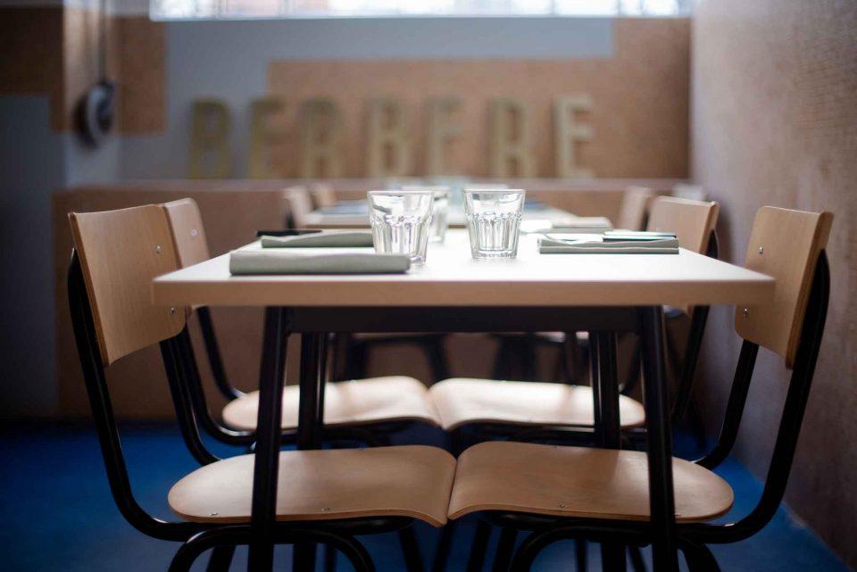 seduta-tavolo-berbere-milano