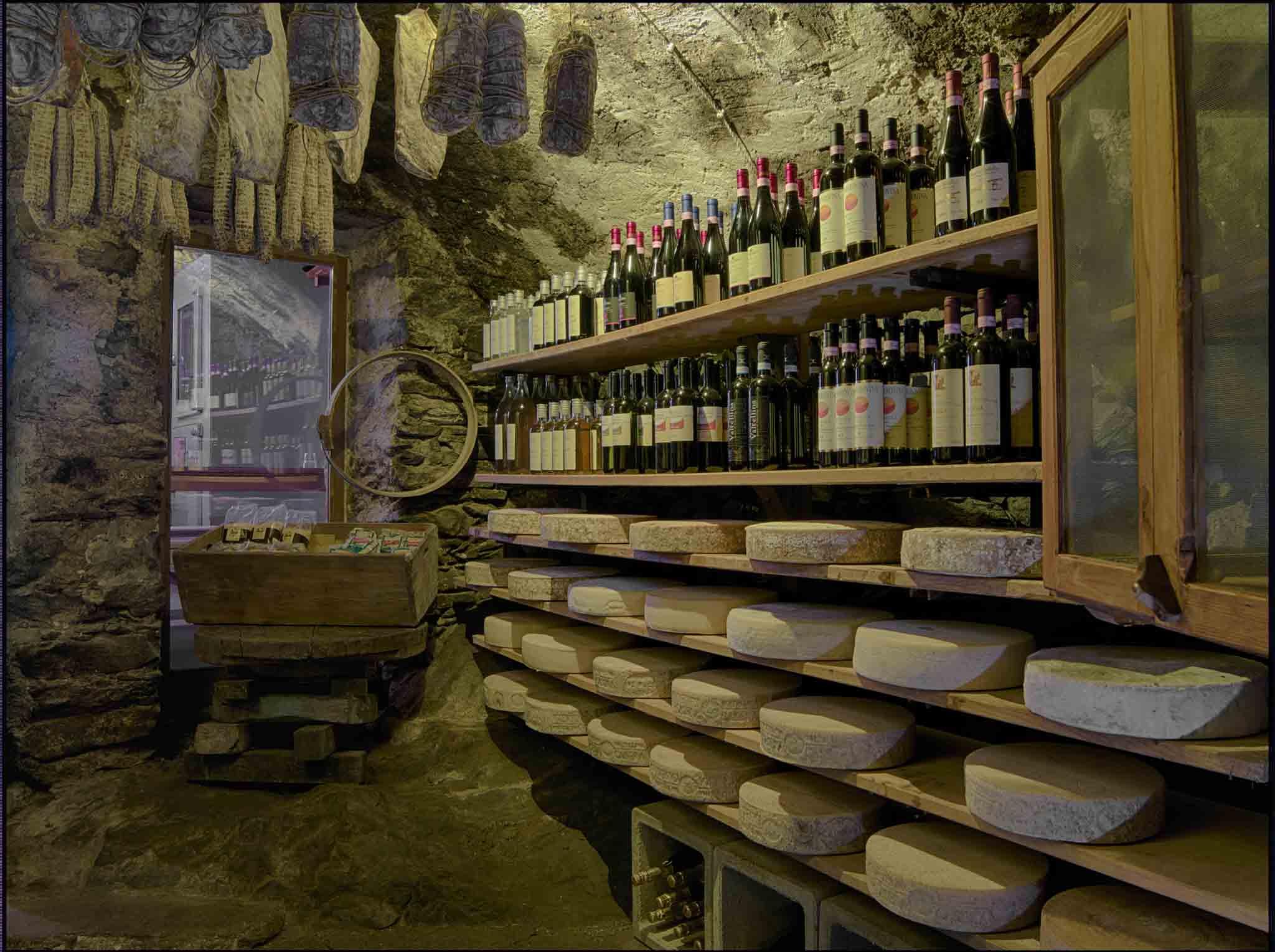 Crotto Quartino a Piuro vini e formaggi