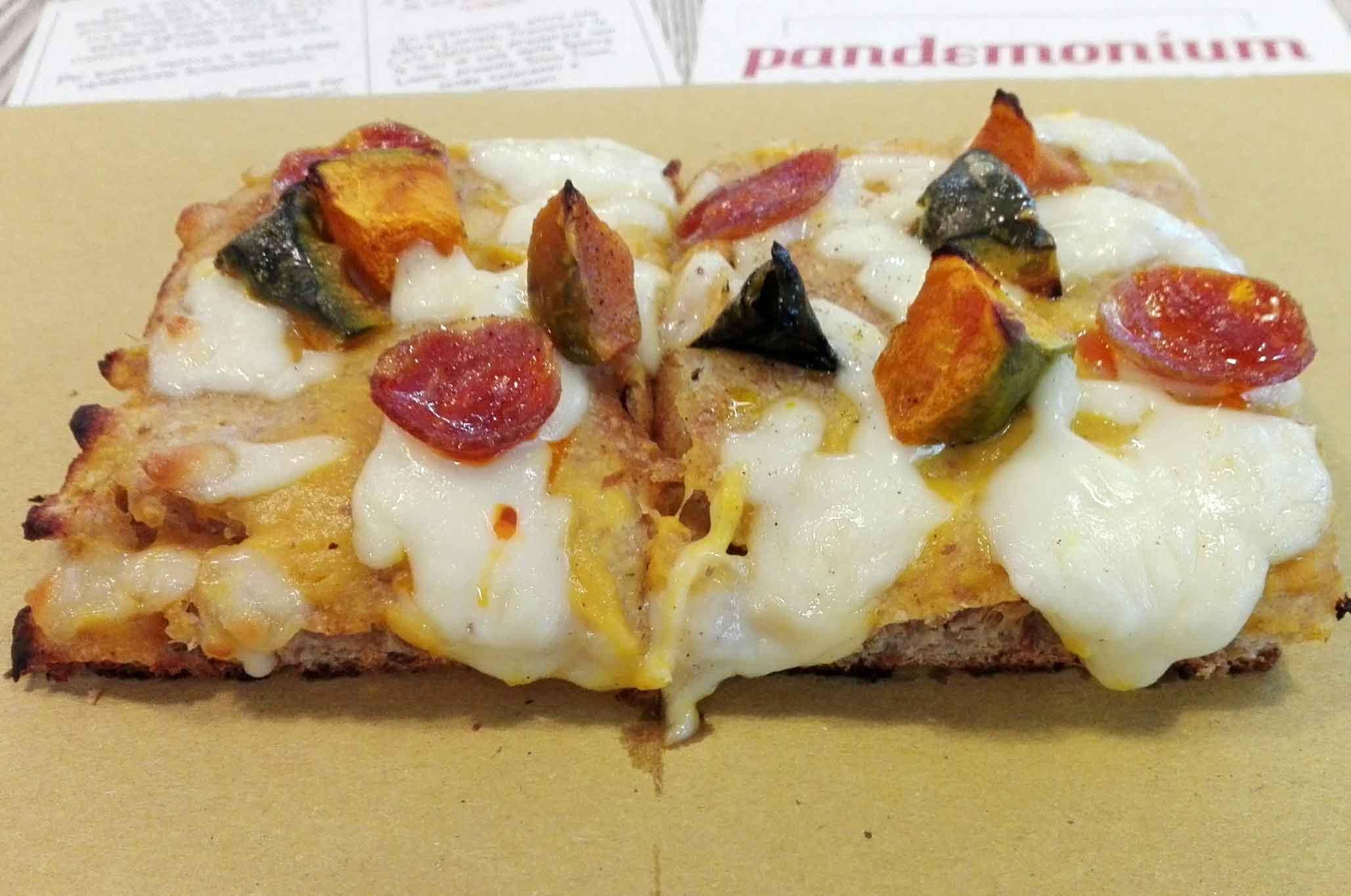 pandemonium-pizza-trancio-bufala-pomodoro