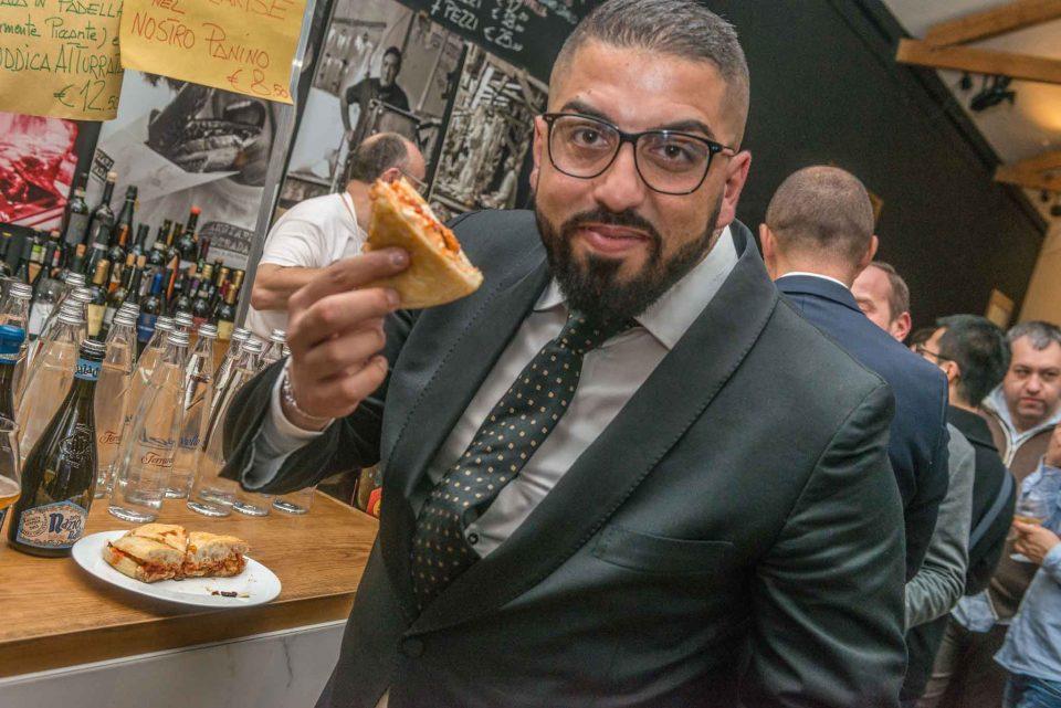 valentino-libro-con-la-pizza-al-vapore