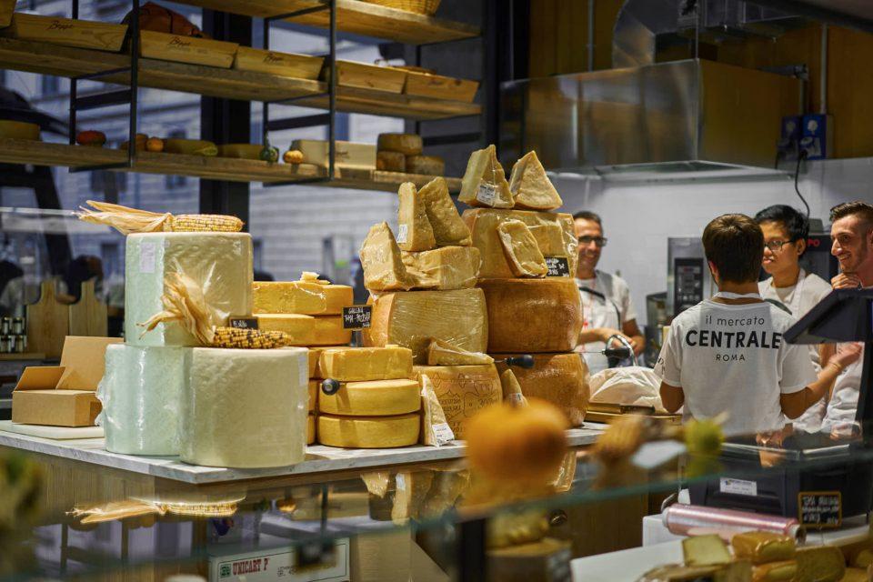 mercato-centrale-giovale-formaggio-2