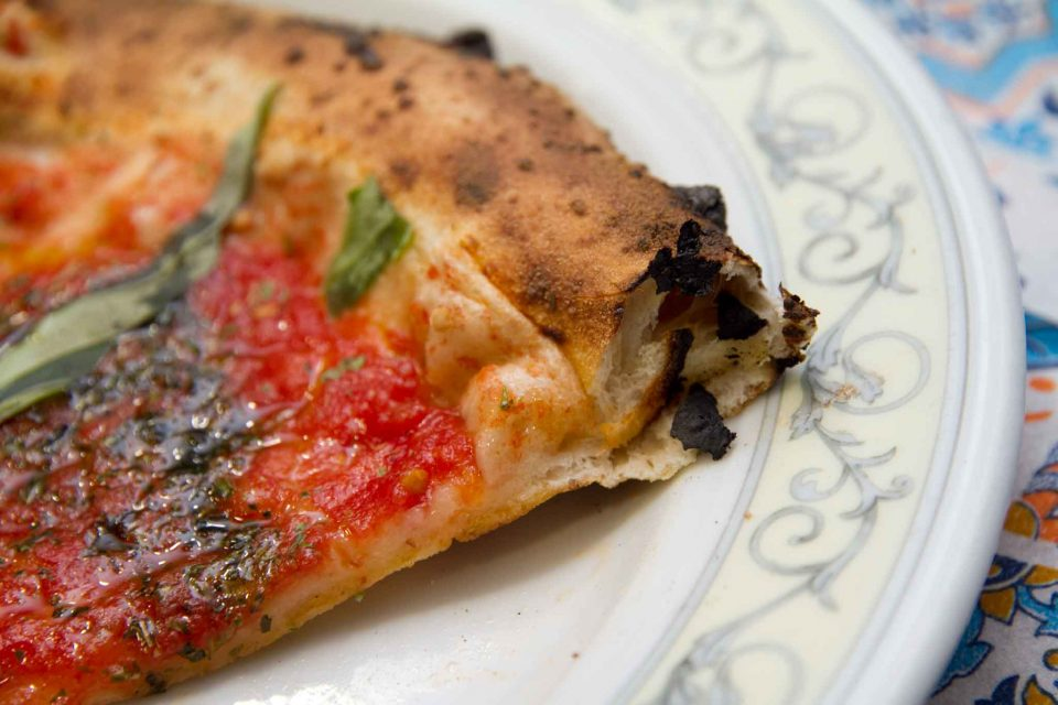 pizza-marinara-le-parule-antico-pomodoro-di-napoli-cornicione