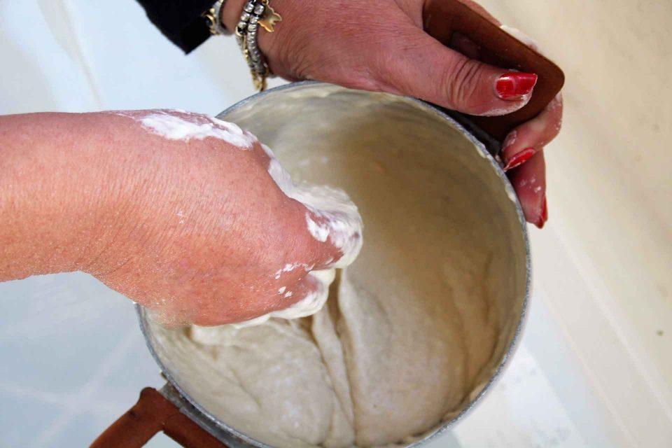 preparazione-pettole-tarantine