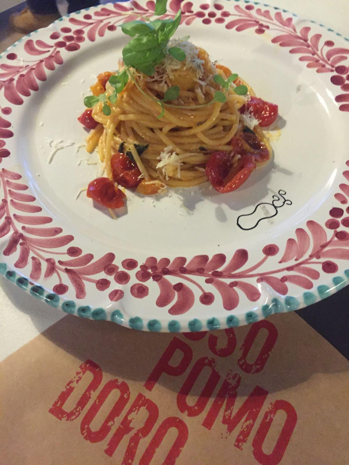 spaghetti-due-pomodori-rossopomodoro