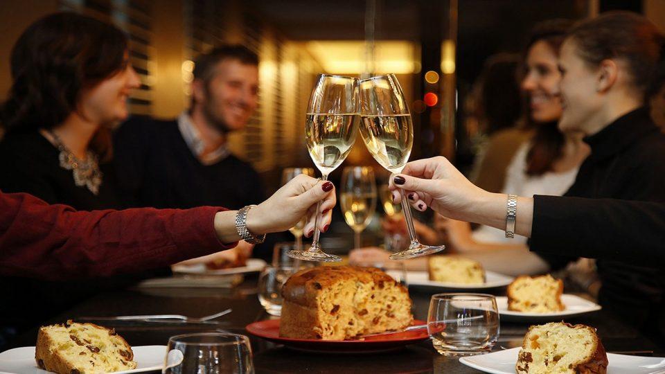 champange-panettone-christmas-panevo-restaurant