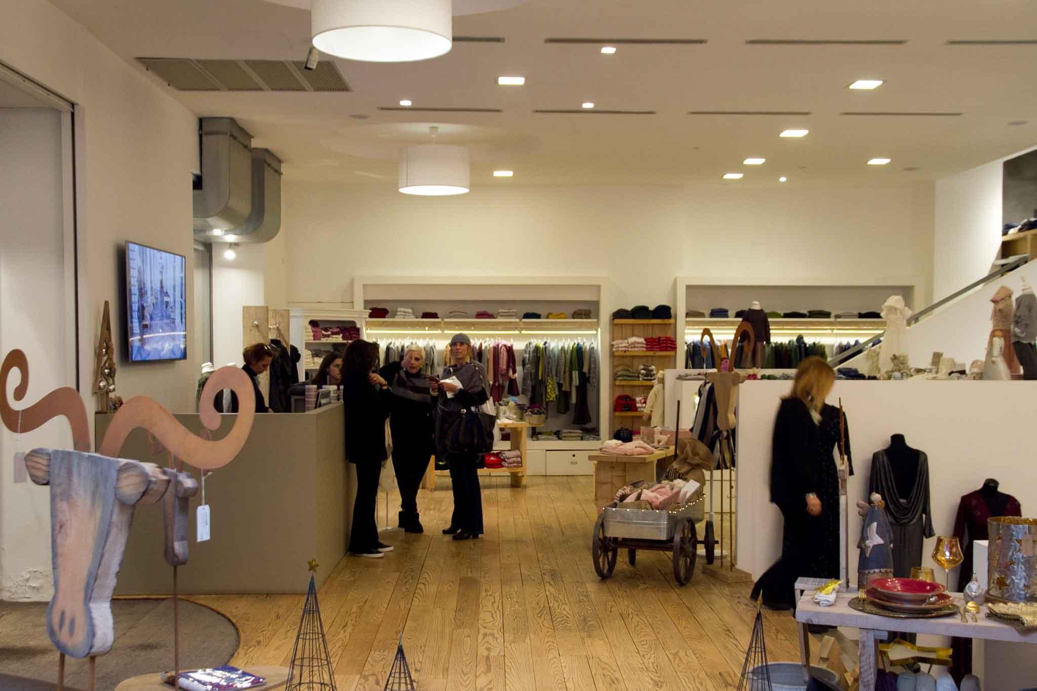 roberta-bacarelli-concept-store