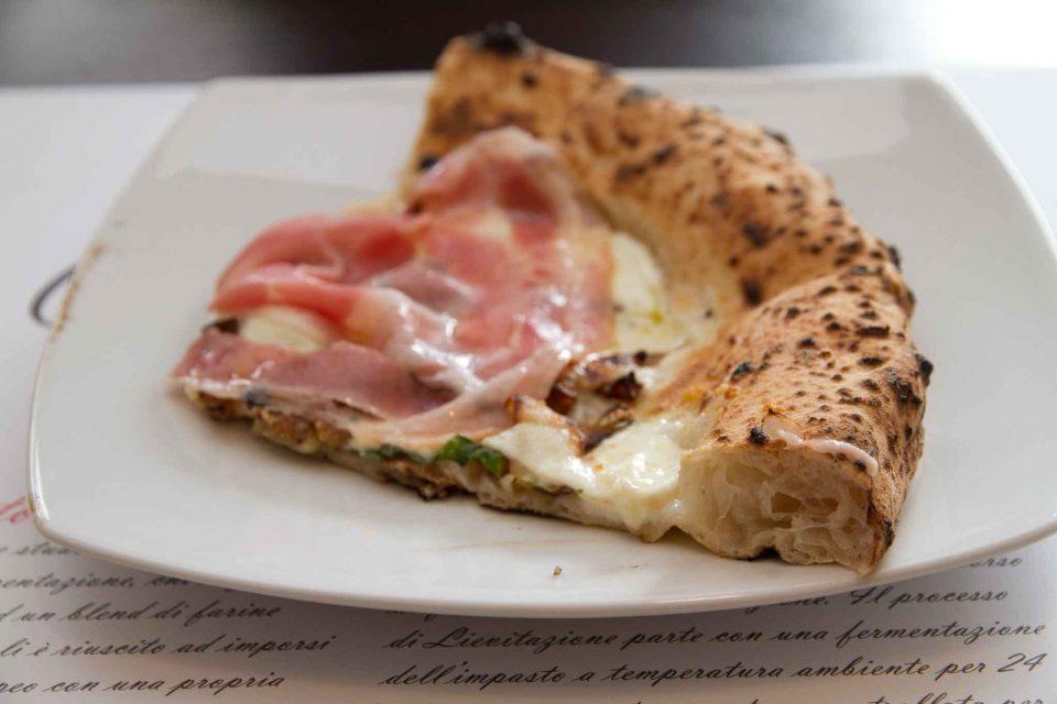 alveolatura-cornicione-pizza-napoletana-carlo-sammarco