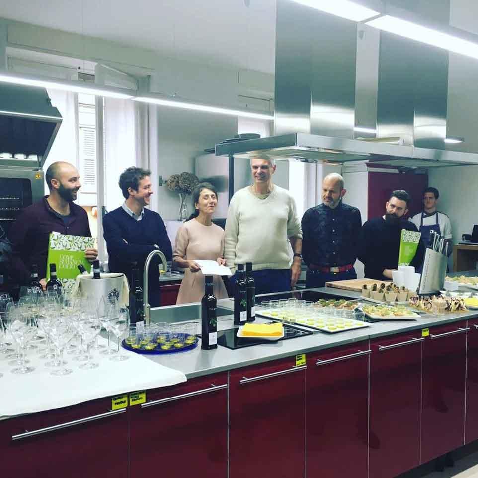 comesimangialolio_joia_academy_presentazione_leeman_capuano