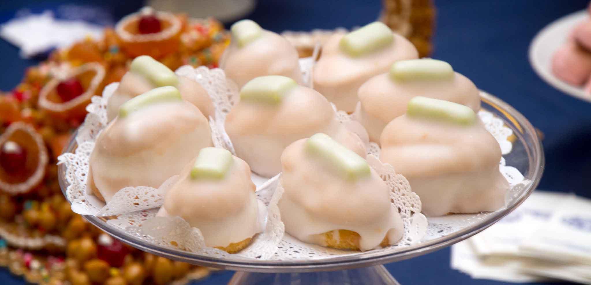 I migliori dolci di natale napoletani li trovate in queste for Dolci tipici di roma