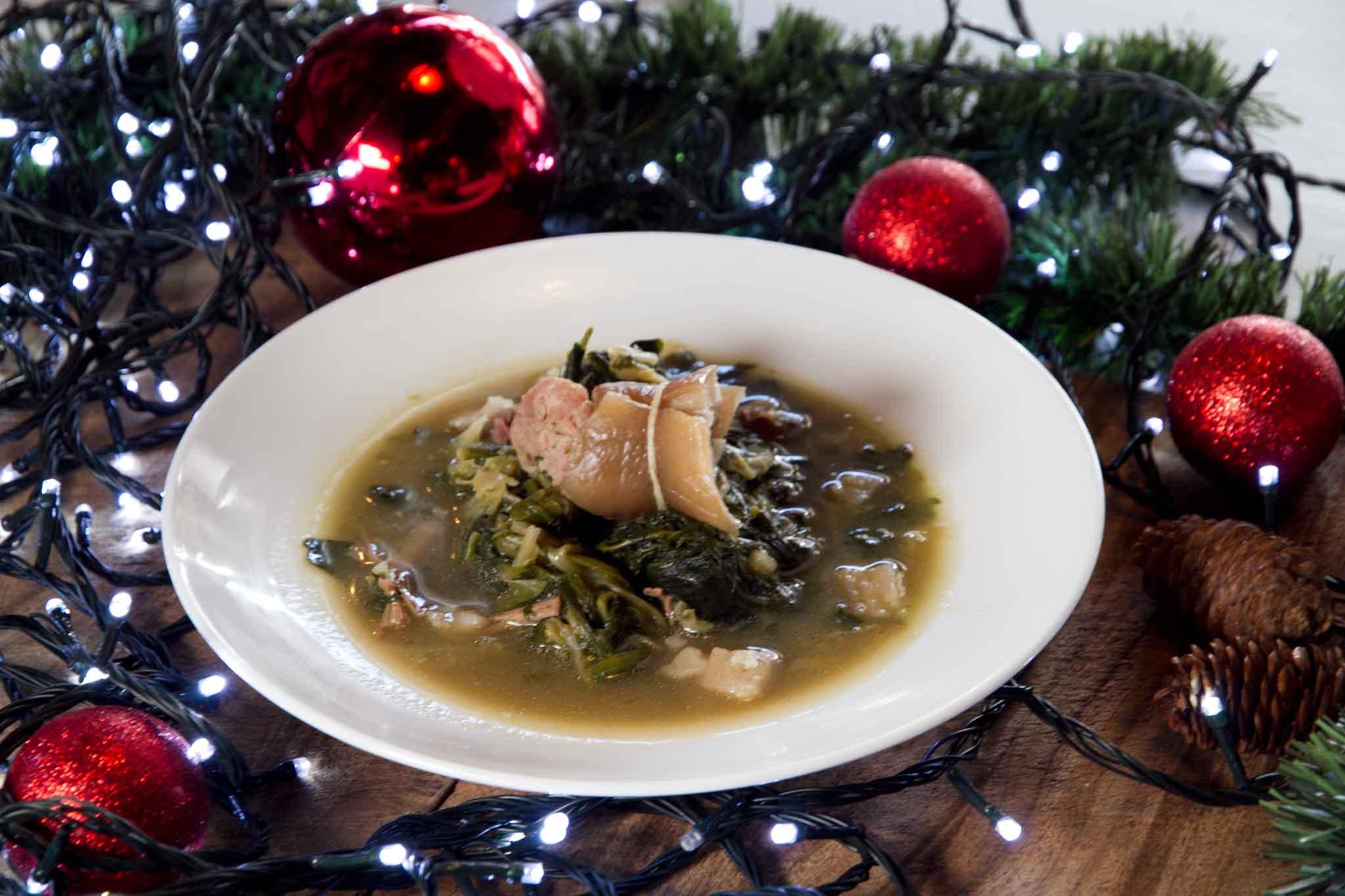 Minestra Di Natale.La Minestra Maritata Ricetta Perfetta Con Il Pesce Per Natale
