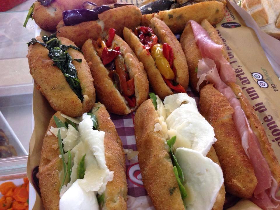 panzarotto-panino-pizzeria-carmnella-napoli