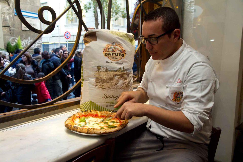 pizza-margherita-gino-sorbillo-sacco-farina-biologica