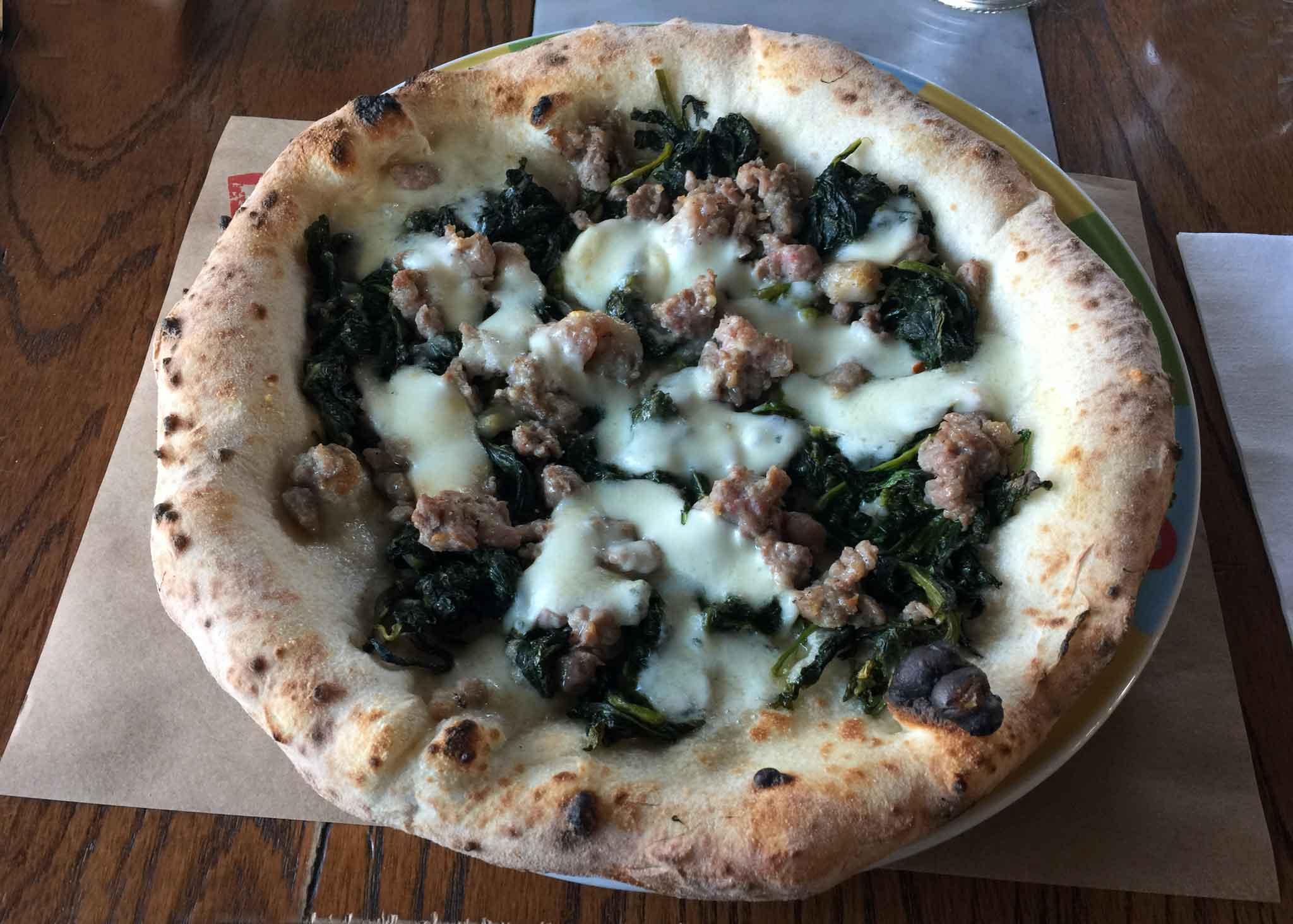 pizza-salsiccia-friarielli-rossopomodoro-lab