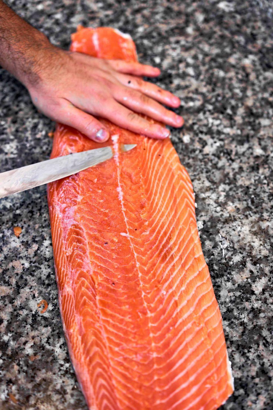 salmone-pulizia
