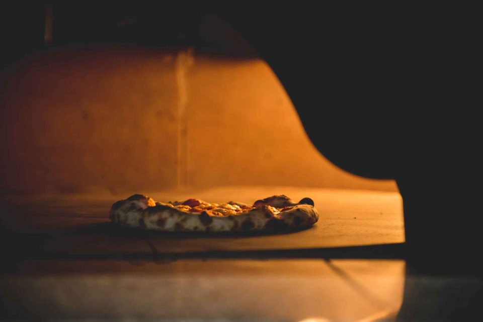 Scrambler Ducati Bologna pizza in forno