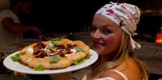 Teresa Iorio, protagonista assoluta della pizza fritta a Napoli e a Ischia