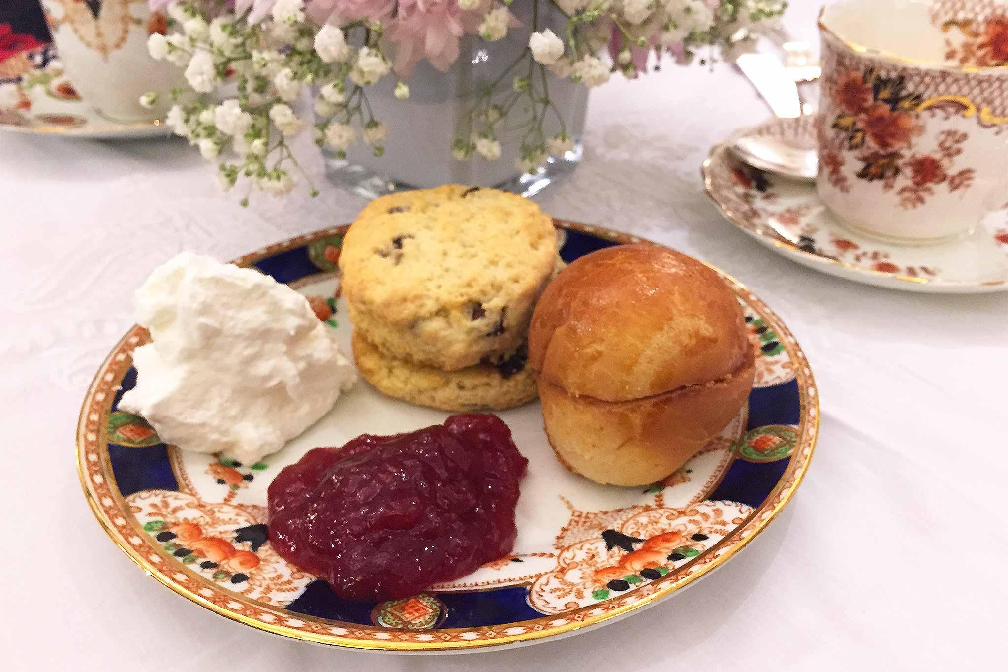 babingtons-scone-tea-cake-marmellata-panna