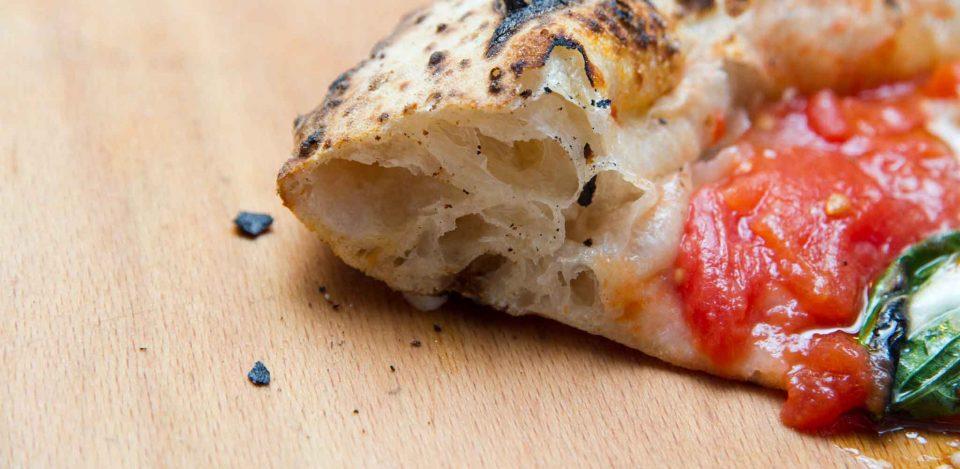 cornicione-canotto-pizza-napoletana
