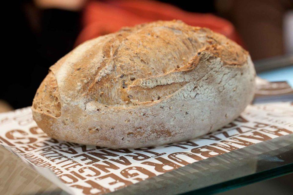 pane ai cereali lievito madre