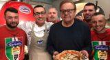 Napoli. Quel bravo ragazzo di Paul Sorvino fa la pizza a quattro mani con Gino Sorbillo
