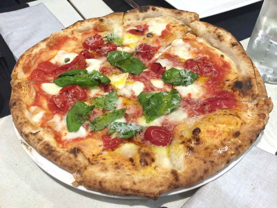 pizza margherita Enzo Coccia