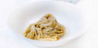 Gli spaghetti ai ricci di mare dicono che il Nostrano a Pesaro è il ristorante ideale per il dopo Sigep