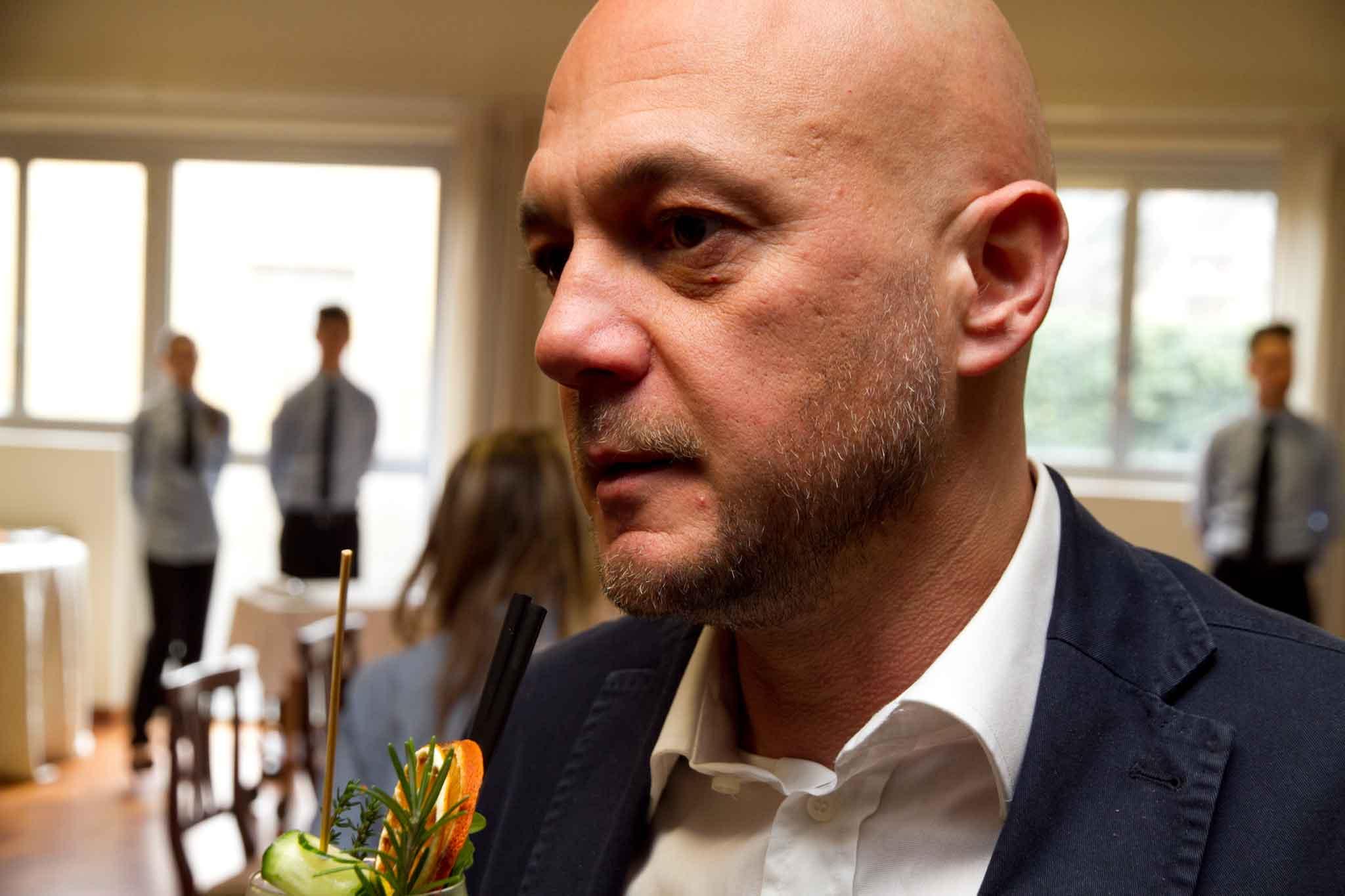 Ha rilasciato un intervista a Valerio M. Visintin che ha messo tutto nero  su bianco in un articolo che sintetizza i malesseri della ristorazione  italiana. 98d6ef0f9d16