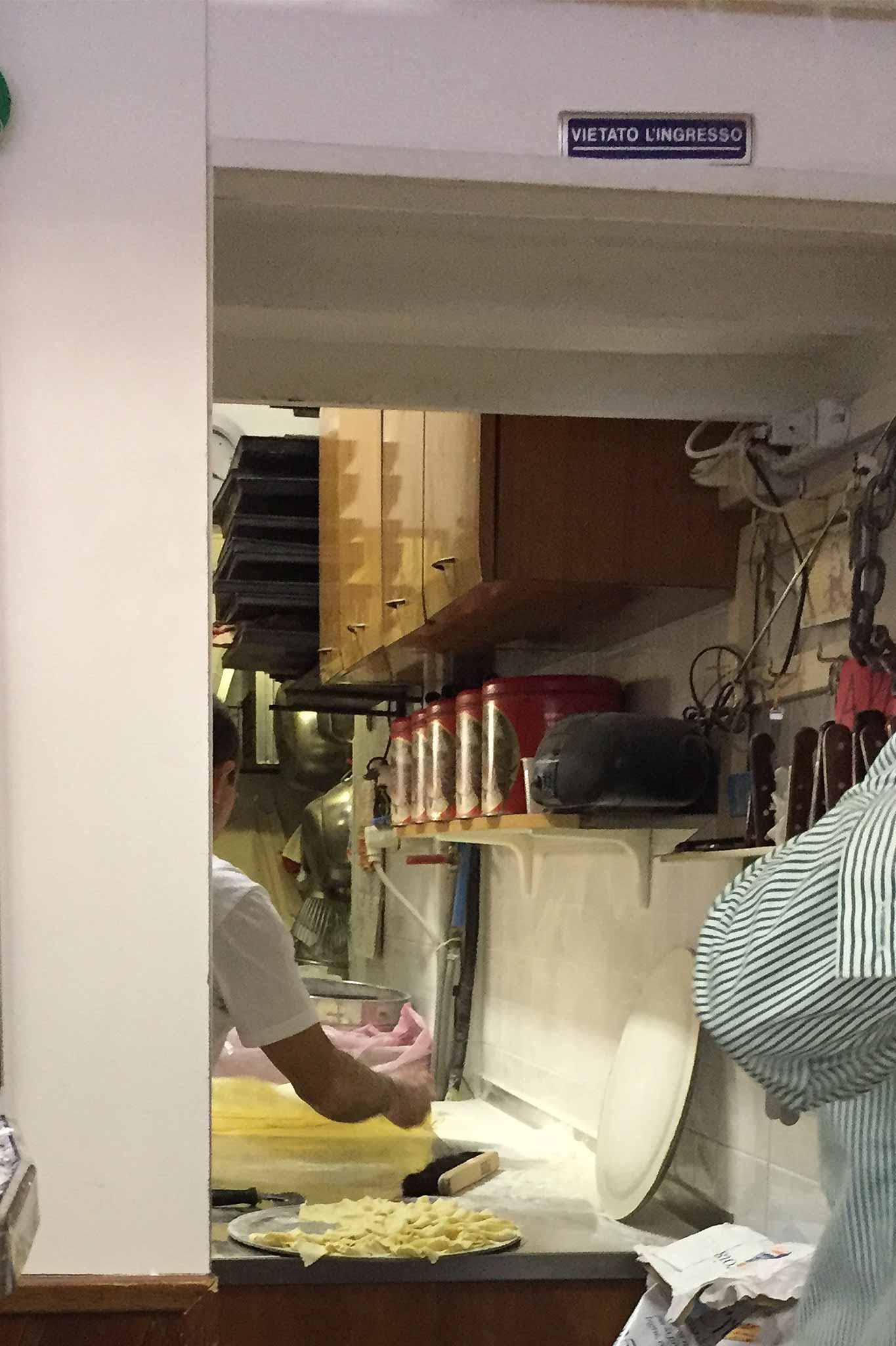 pasticceria-simona-preparazione-frappe