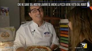 Un pizzaiolo robot non riuscirà a far scomparire Gino Sorbillo ed Enzo Coccia. E nemmeno le file