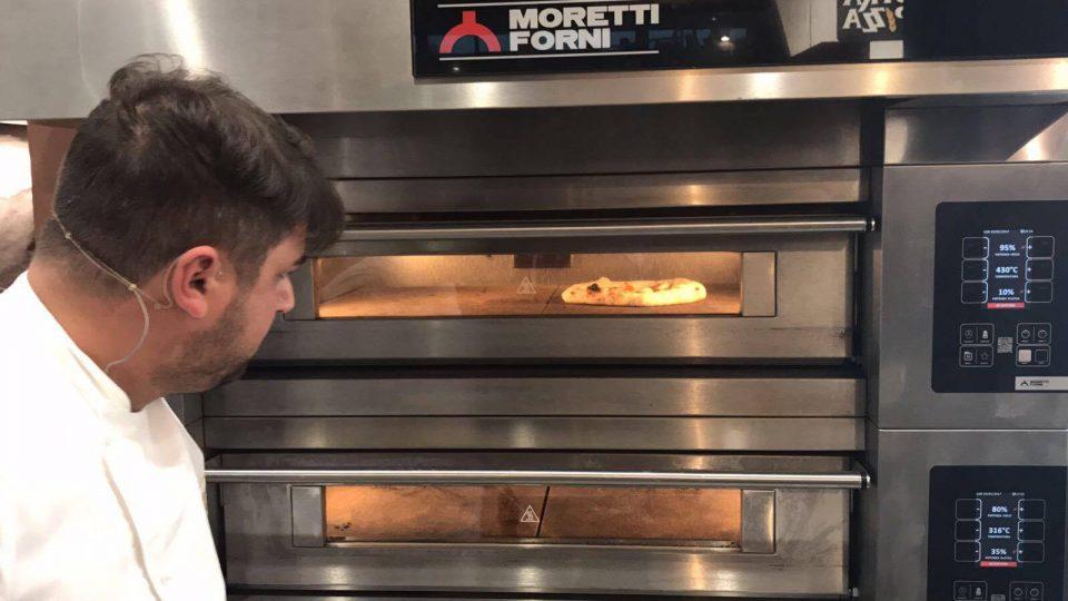 Pizza a canotto la ricetta per il forno elettrico di for Cosa vuol dire forno statico