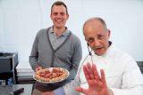 Pizza in Langa. Patrick Ricci chiude Pomodoro&Basilico e stupisce con Latte+ e Langa-Boom