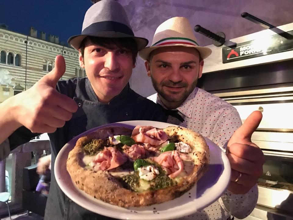 Pizza a canotto la ricetta per il forno elettrico di diego vitagliano e salvatore lioniello - Forno per la pizza ...