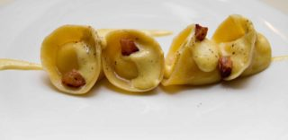 Roma. Carbonara à gogo e Fabio Pecelli in cucina per il rinnovato Caffè Propaganda