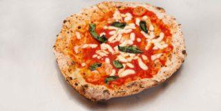 Pizza in Langa. La ruota di carro di Alessandro Condurro e il canotto di Giuseppe Pignalosa