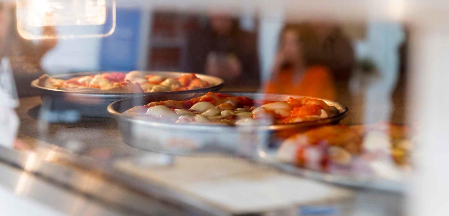 Pizza in teglia fatta in casa ricetta perfetta cottura