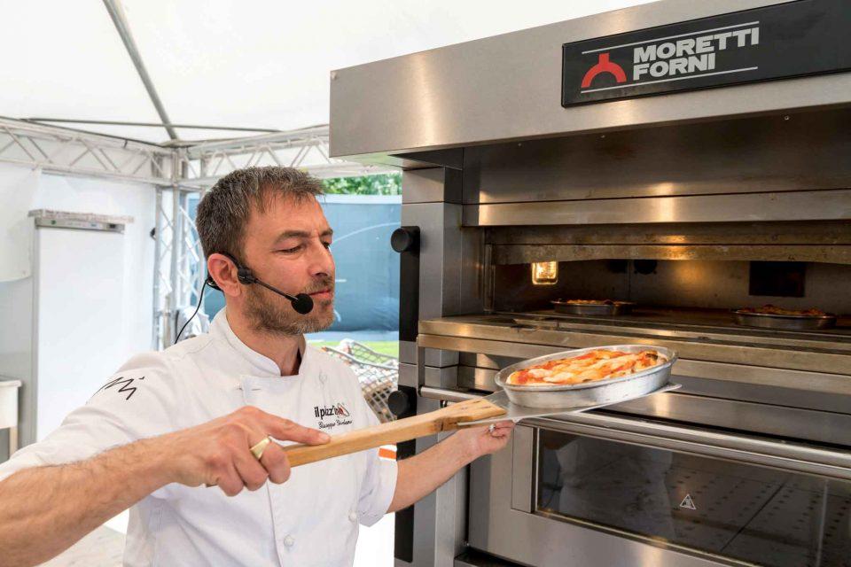 Lezioni di pizza come cuocerla perfetta a casa con il sistema del pizzino - Pizza forno elettrico casa ...