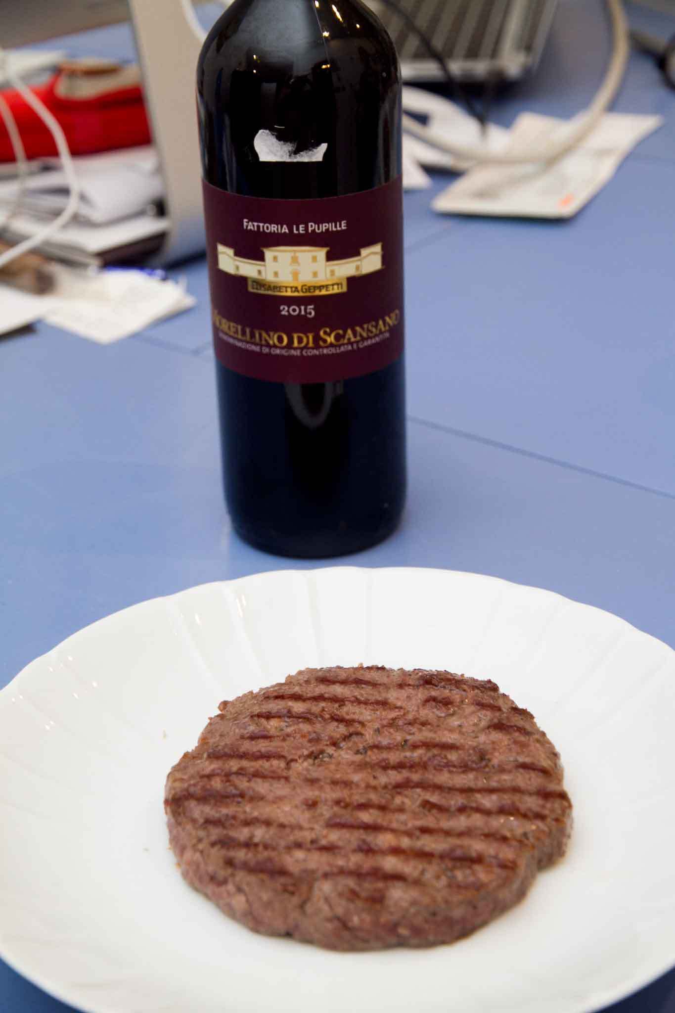 hamburger e vino