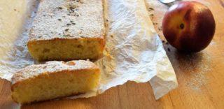 La ricetta del plumcake è perfetta con pesche tabacchiera, yogurt e farina Tipo 1