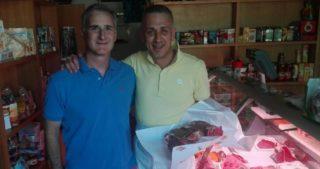 Toscana. Il macellaio più buono del mondo è Paolo Filippini che regala il pane all'ambasciatore USA