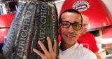 Napoli. Gino Sorbillo festeggia i 140 anni di Auricchio con una pizza speciale