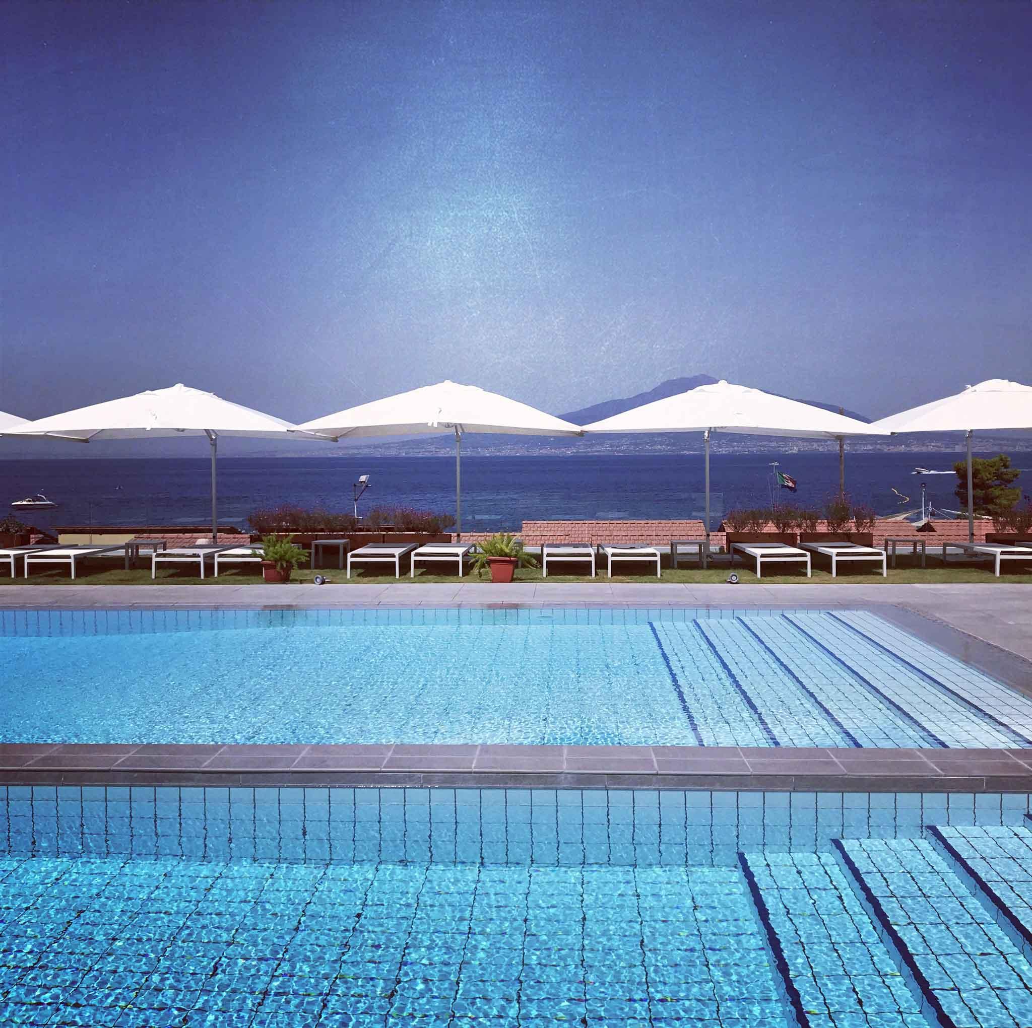 Piscina A Torre Del Greco vico equense. relax e cibo alle nuove piscine del complesso